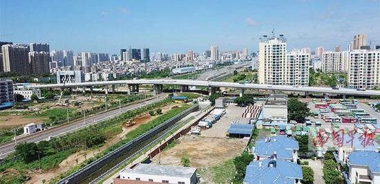 一条横穿南北的铁路线把北海城区划分为南北,广东南路则在铁路线的南