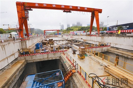南宁地铁3号线广西规划馆站完成车站主体结构封顶