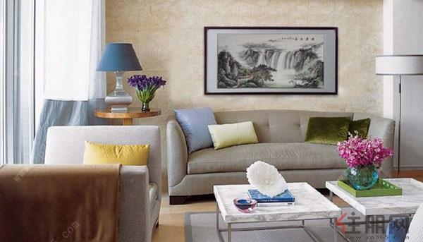 客厅背景墙挂画禁忌五:挂画主题可以是以水为主   沙发在客