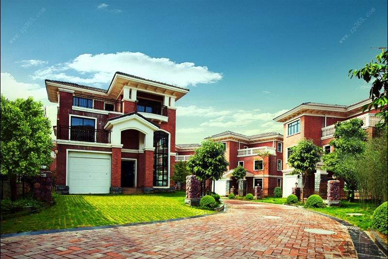 双拼式别墅和联排式别墅和独栋别墅相比,区别十分明显。现代社会重视个人隐私的保护,家庭生活更是不能被打扰。独栋别墅可以保证自己家和邻居之间有足够的距离使生活不被打扰,可以拥有自己的私家庭院,居住体验和舒适度、隐秘性高。联排和双拼别墅是一家挨一家,私密性大打折扣,庭院面积也小,完全不能和独栋相比。 时下在南宁市场,只有八桂绿城还保存有大批量的独栋别墅,这些独栋无疑是城市精英的***选择。 高性价比别墅 赠送面积有1000 按照最近南宁市土地交易市场的价格水平,城南一亩地可以卖到500万元一亩,这样的价格在南