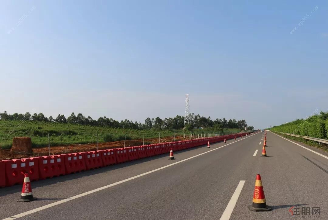 作为我国东西部地区的出海大通道,这条公路在国家高速公路网中具有