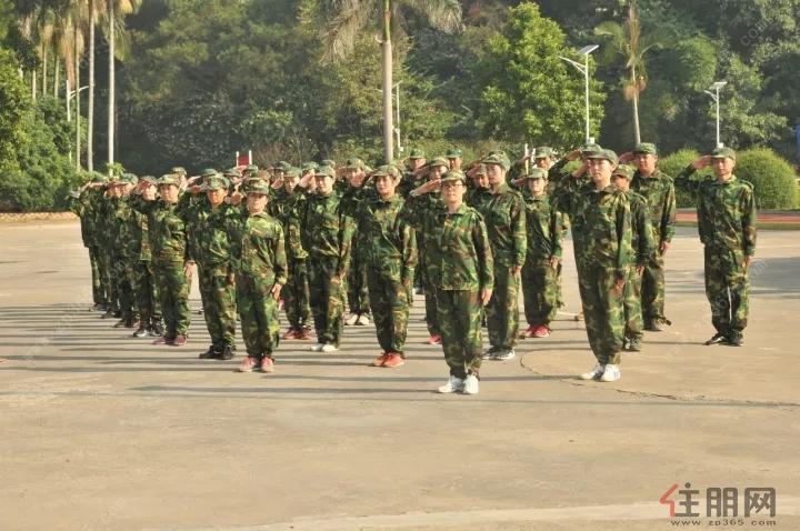 看看俄罗斯军事训练营和课后项目 战斗民族是这样炼成的