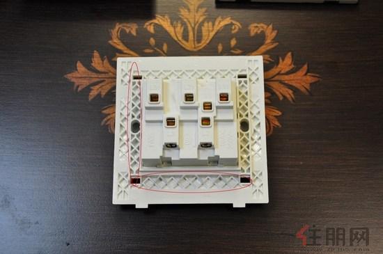 【产品评测】雷士照明3k系列3位单控开关